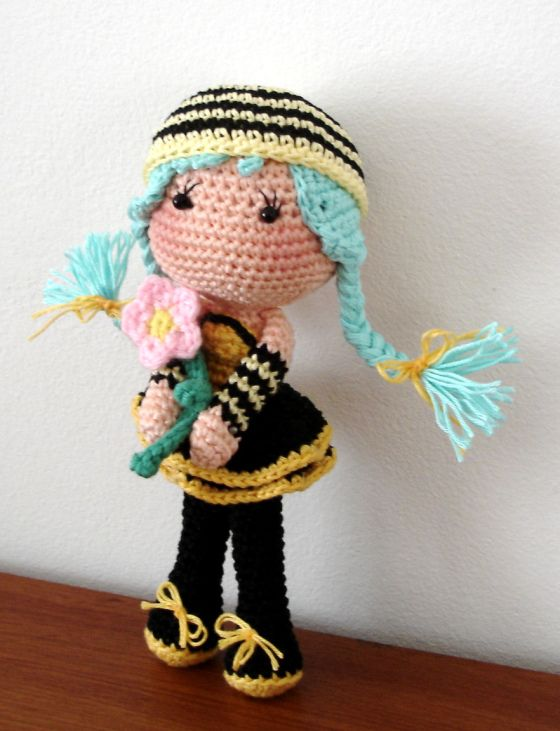 Amigurumi Bee Girl : Bee girl ~ free pattern Amigurumis Pinterest Girls ...