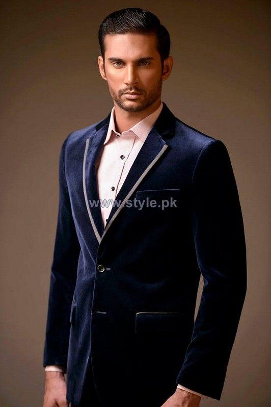 Black suit jacket cream trim cream dress shirt | Pearce Ackerman