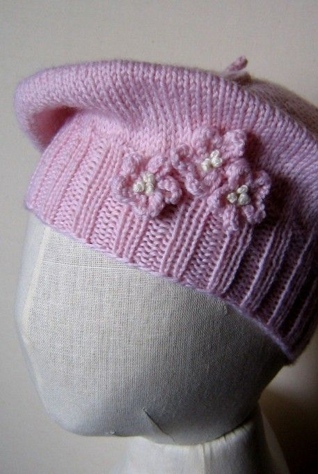 Knitted Beret Pattern Toddler : Free pattern, Blog and Knit patterns on Pinterest