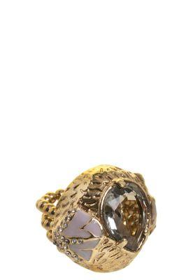 Anel Camila Klein Angelus dourado, da coleção Tosca, feito em metal com banho em ouro-velho. Com aro em quatro fios de silicone tamanho 16, 3cm de largura e 3cm de altura
