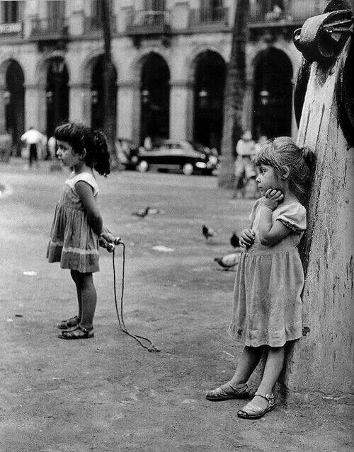Spain. It looks like there's some tension over there..., Barcelona, 1950s // Joan Colom