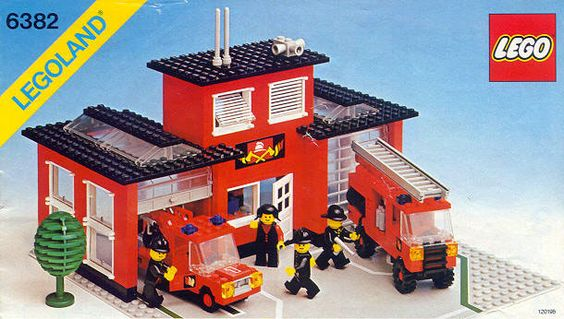 LEGO Land Town Fire Station 1980's
