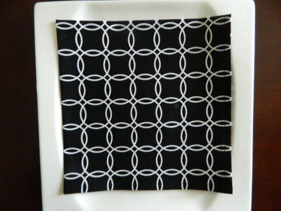 Black & White Contemporary Napkins. Set of 4 or 8 Napkins.