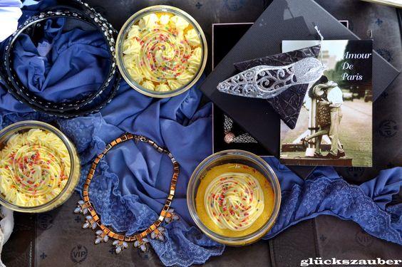 glückszauber // Sweet Table zum Geburtstag: Vanille-Cupcakes im Glas