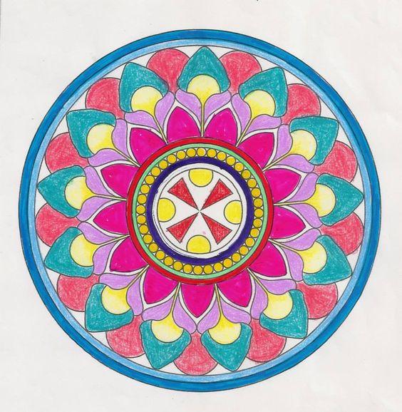 曼荼羅塗り絵でカラーセラピー