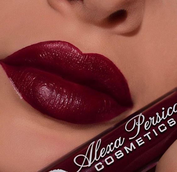 23 Stunning Lip Makeup Ideas That You Should Try Out - lipstick , matte lipstick ,liquid lipstick #lips #lipstick