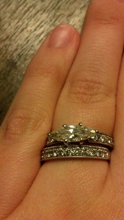 My engagement ring and wedding band!!! Love it :)))