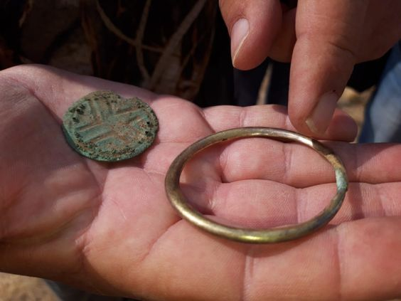 Twee geliefden gevonden, eeuwen oud