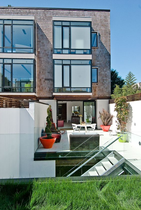 Getting every bit of outdoor space possible in an urban environment.