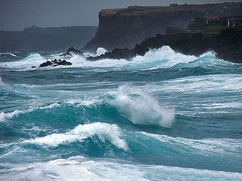 Peça-a, porém, com fé, em nada duvidando; porque o que duvida é semelhante à onda do mar, que é levada pelo vento, e lançada de uma para outra parte.Tiago 1:6   Se tem algo que atormenta a vida cri…: