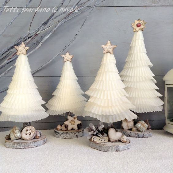 Everyone looks at the clouds: Paper Christmas Trees: