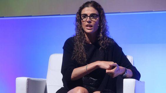 Claudia Sender passou por empresas como Bain & Company, Whirpool e TAM. Mesmo com esse currículo, a executiva diz opinar menos e ouvir mais.