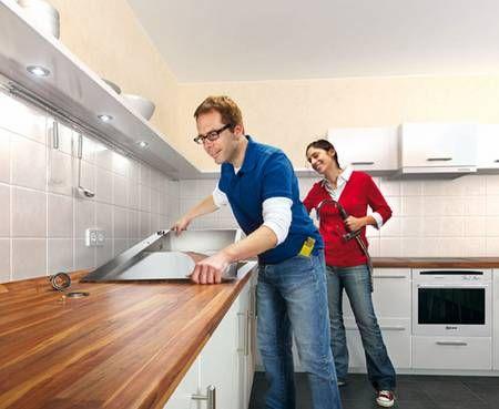 Anleitung Fur Heimwerker Arbeitsplatte Einbauen In 2020 Kuchen Fronten Arbeitsplatte Kuchenfronten
