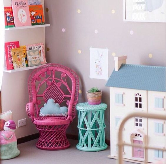 Love this idea for a reading corner when we get rid of Audrey's change table.