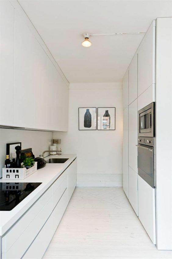 kleine k che einrichten minimalistische k chenideen k che pinterest kleine k chen kuchen. Black Bedroom Furniture Sets. Home Design Ideas
