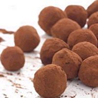 Easy Dark Chocolate Truffles/Chocolate-Covered Strawberries by Heather Clements