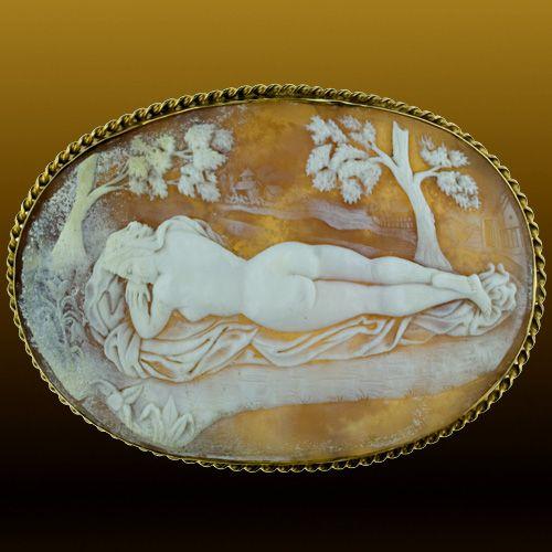Nude Female Figure, Shell: Victorian.