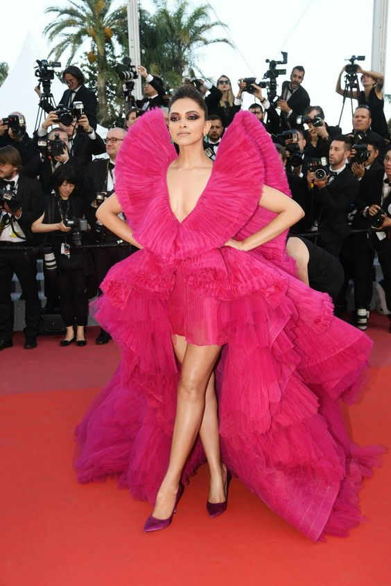 Deepika padukone slay in pink gown at red carpet of cannes 2018