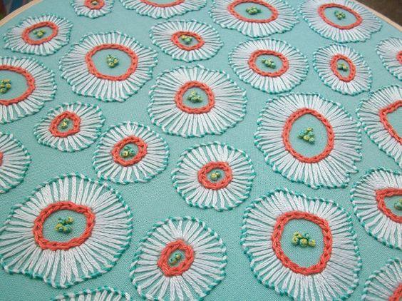 arte del bordado aro mano bordados flores forma libres por bobetsy