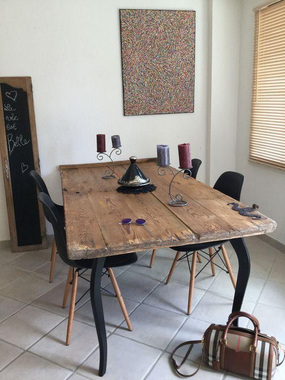 Ambiance noir et blanc vieille porte transform e en table - Ambiance tables et chaises reims ...