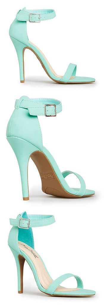 super cute heels - the shape is so flattering, too.