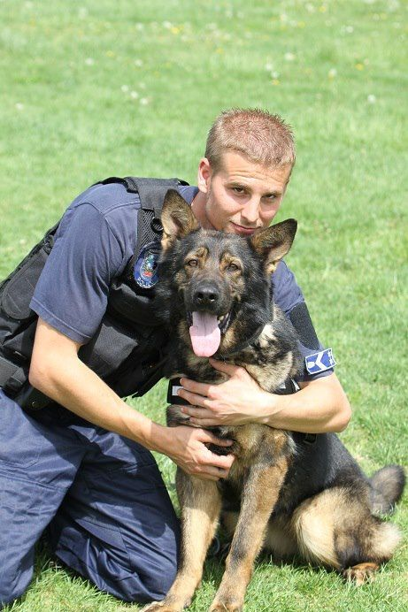 Police Officer and his k 9