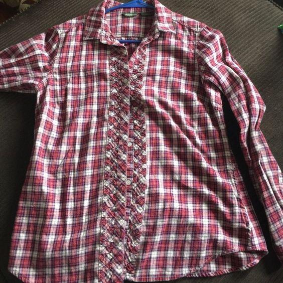 Eddie Bauer Flannel shirt Size small Eddie Bauer flannel shirt Eddie Bauer Tops Button Down Shirts