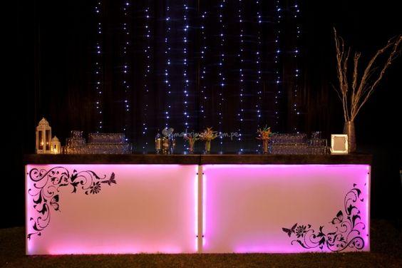 Barra de bar con iluminaci n led de l mparas y eventos - Decoracion con lamparas ...
