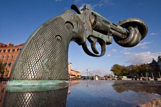 """Non-Violence"", a bronze sculpture by Swedish artist Carl Fredrik Reuterswärd"