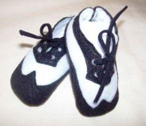 Cute boy black & white wing tip crib shoes!