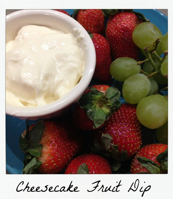 Cheesecake Fruit Dip Makes appox. 2 cups 3 PP for 1/4 cup 1 small box of sugar-free and fat-free cheesecake pudding mix 3/4 cup fat-free milk 1 8oz container of fat-free cool whip, thawed