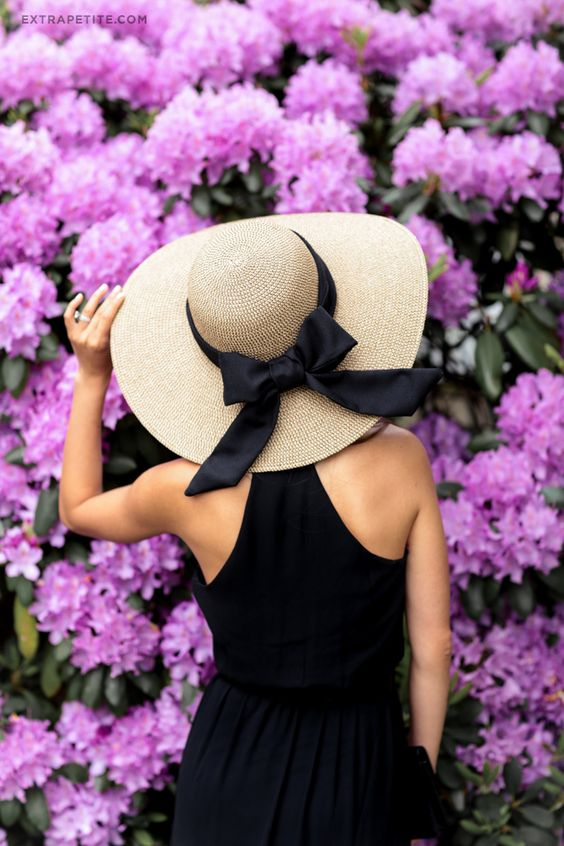 Dress up a basic summer straw hat with an oversized DIY ribbon bow