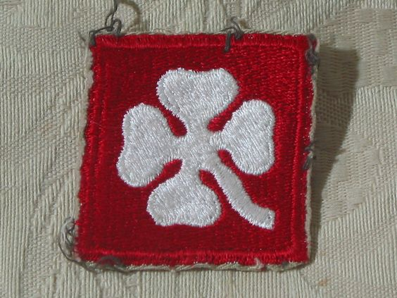 MILITARY SHOULDER PATCH 4th ( Fourth ) United States Training Army Vietnam Era  Junk_614  http://ajunkeeshoppe.blogspot.com/