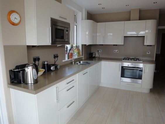 Cream Gloss Kitchen Black Worktop Google Search House