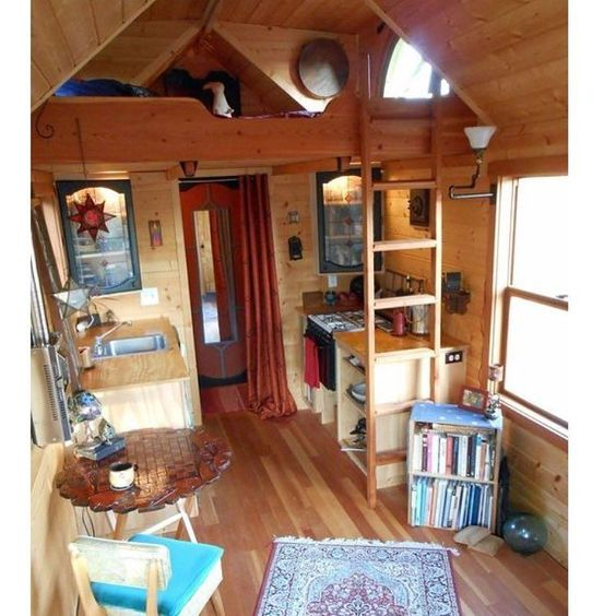 OMG! I want this mini house. It looks so spacious to say it's small. A beautiful petite spot all to myself wld love it! #introvert #tinyhouse #home #space #freedom #enjoyment by divergent_shaylene