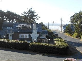 House in Manzanita we stayed at in 2008; 4 bd 3 ba; 4 night minimum; $395/night. 1 king with attached room with 2 twins; 1 queen; 1 queen with double bed too