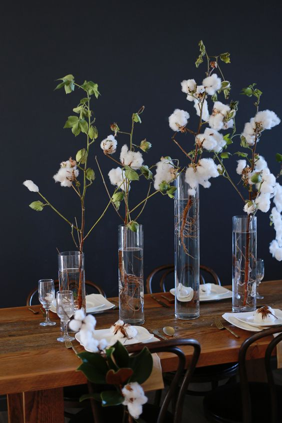 Wedding inspiration with magnolia leaves and cotton