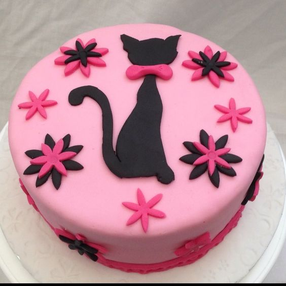 Cat themed cake