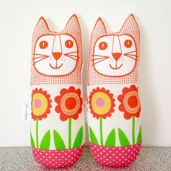 Fun retro cat plushies by Jane Foster | Mollie Makes Shop