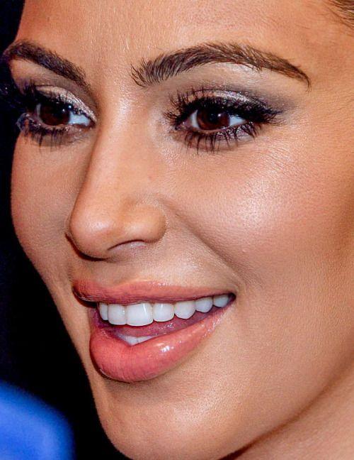 kim kardashian kim kardashian makeup red carpet celebrity closeup celebs celeb celebrities celebrityclose-up.com