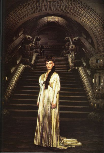 "Francesca Annis in ""Dune"" (1984). DIRECTOR: David Lynch."