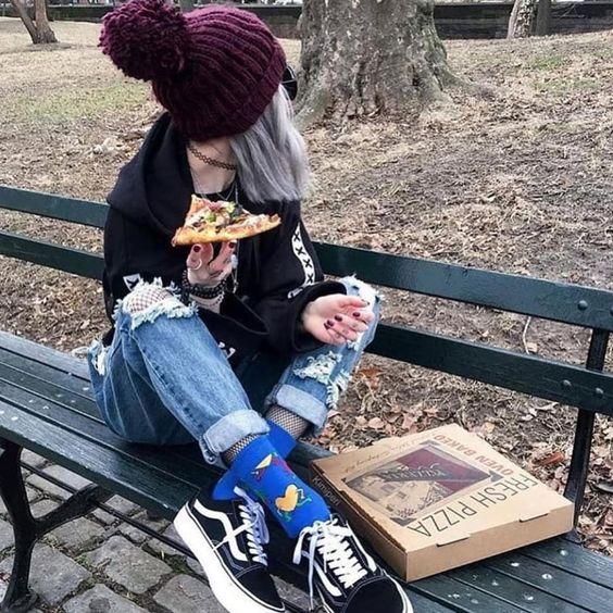 "grunge / vintage / streetwear 🏁 Instagram'da: ""En sevdiğin pizza hangisi?  ✨"""
