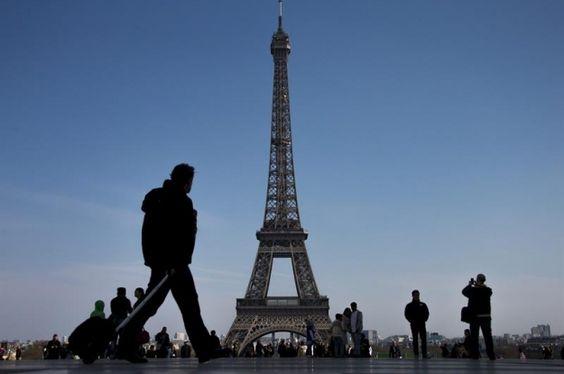 La Torre Eiffel cumple 126 años