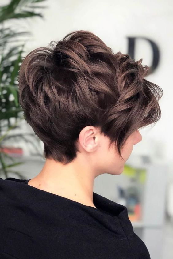 72 Cool Short Hairstyles For Women To Try This Summer In 2020 Pixie Hair Color Hair Styles Feathered Hairstyles