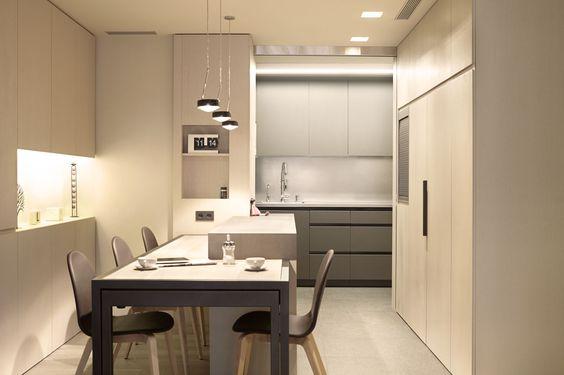 Comedor con mesa extensible y almacenaje integrado
