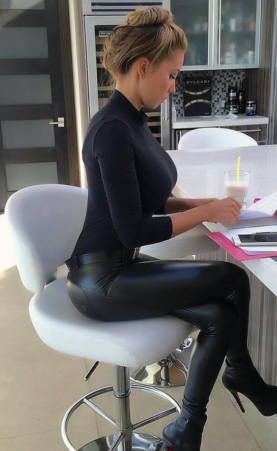 Sey Teen In Tight Leggings 19