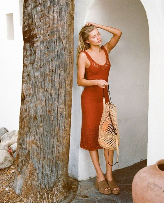 Rachel Gill Hammond. Photo Source: https://www.instagram.com/_rachelgill_ Basket bag, woven bag, rattan bag, round bag, circle bag, summer bag, woven backpack, rattan backpack, basket backpack
