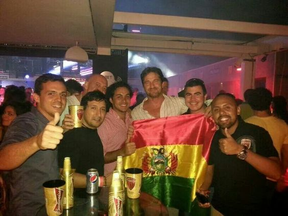Gerard Butler ~ this is Spartaaa...Living it up in Rio ;)