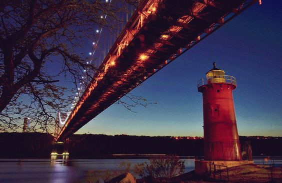 Early evening at the Little Red Lighthouse under the George Washington Bridge #GWB #WaHi #NYC