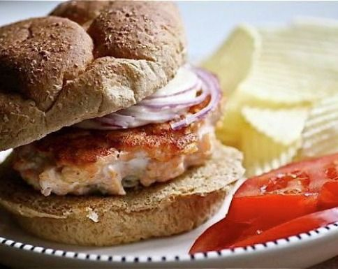 Salmon Burgers with Ginger Mustard Mayo by livingtastefully #Burgers #Salmon #Ginger #Mustard